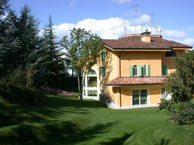 villa in collina 1 (2) b.jpg